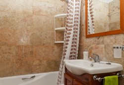 PB1 _Fully_fitted_bathroom_with_bath_and_overhead_shower_.JPG