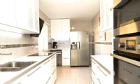 PA3_Very_modern_kitchen_with_all_appliances.JPG