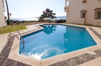 MB7_Inviting_swimming_pool_with_sea_views_and_access_to_Playa_del_Cristo.jpg