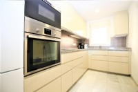 BC1_Modern_kitchen_with_all_appliances_(fridge-freezer_etc).JPG