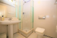 BC1_Shower_room_for_triple_bedroom.JPG